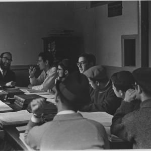 Senior jewish students in a tutorial.